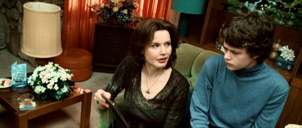 Gloria Conway (Geena Davis) considers a wake an acceptable place to crack a joke about the deceased to her 14-year-old son Billy (Harrison Gilbertson).