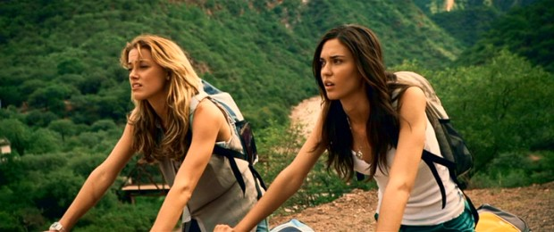 On vacation in small-town Argentina, friends Stephanie (Amber Heard) and Ellie (Odette Yustman) discover they've just missed their bus, which runs only once a day.