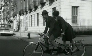 Supplying some romance alongside the comedy, Murray (Jason Robards) and Sandy (Barbara Harris) enjoy a tandem bicycle ride around New York City.