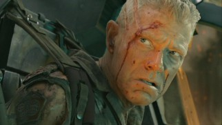 Colonel Quaritch's (Stephen Lang) stubbornness and evil scowl suggest he's not someone to be taken lightly.
