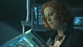 In this reinserted footage Grace (Sigourney Weaver) remembers tutoring Neytiri and her sister Sylwanin and the tragedy that struck soon afterwards.