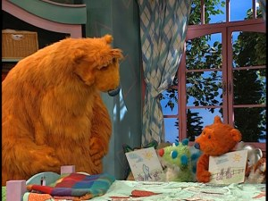 Bear teaches his friends how to make a story out of the pictures they've drawn.