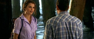 As the requisite love interest, schoolteacher Jill Higgins (Keri Russell) takes some time to prove appealing to Skeeter.