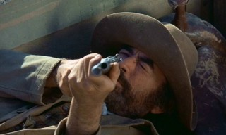 Wounded or not, here come the bullets of Archie Deans (Gregory Peck). Blau!