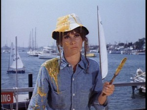 Oh man, Stefanie Powers has yellow paint all over her hat and shirt. I think my side just split!