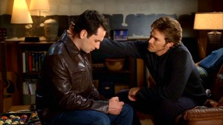 Closeted soap opera star Chad Barry (Jason Lewis, right) is one of three gay men that Kevin (Matthew Rhys) the lawyerly gay Walker gets close to in Season 1.