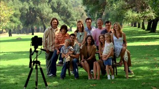 This big old happily family photo that depicts 6 Walkers, 5 Whedons, and a Saul Holden in a pink shirt!