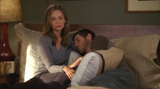 "As his ""36 Hours"" of detox treatment wind down, Kitty (Calista Flockhart) mulls over her wedding concerns to a now-sleeping Justin (Dave Annable)."