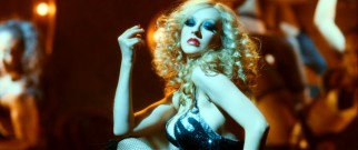 Able to do much more than lip-sync, Ali (Christina Aguilera) is a huge sensation, so naturally the Burlesque Lounge must be on the verge of insurmountable bankruptcy.
