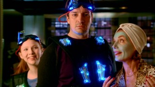 A father-son laser tag bout is interrupted when Beckett drops in unexpectedly on Alexis (Molly Quinn), Castle (Nathan Fillion), and Martha (Susan Sullivan).
