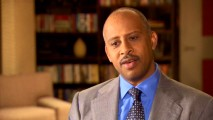 "Ruben Santiago-Hudson is one of many cast and crew members supplying a neat sound bite in ""Whodunit: The Genesis of 'Castle.'"" As Captain Roy Montgomery, the fourth-billed actor is regularly seen and eventually recognized but not especially well defined."
