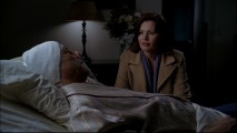 With the president on his deathbed, Mac must make a decision in the Pilot episode.