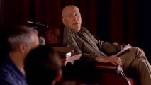 Pause-loathing acting professor Michael Malakov (Alan Arkin) calls Vince for an extended version of his monologue.