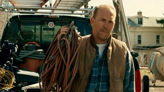 Blue collar brother-in-law Jack (Kevin Costner) welcomes Bobby to his construction crew.