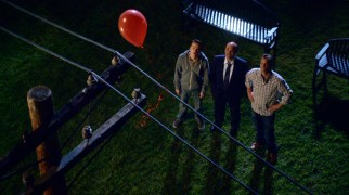 Travis, Andy, and Bobby pursue a $2,000 red balloon in one of the season's most entertaining storylines.