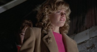 Chicago's coolest babysitter Chris Parker (Elisabeth Shue) leads her charges in a dangerous escape from danger in the rafters.