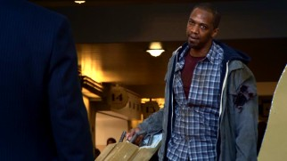 The pilot episode sees unemployed Mike Peterson (J. August Richards) wanting to keep a low profile.