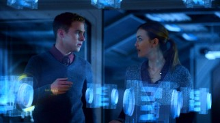Agents Fitz (Iain De Caestecker) and Simmons (Elizabeth Henstridge) handle comedy, science, and holographic imagery.