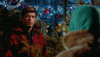 Ron Kirby (Rock Hudson) is surprised to sell a Christmas tree to Cary Scott.