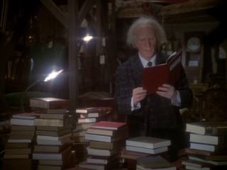 "Benedict Slade (Henry Winkler) does a little light Christmas Eve reading: Charles Dickens' ""A Christmas Carol."""