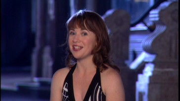 A grown-up Aileen Quinn looks back at her Hollywood adventure in this 2003 featurette.