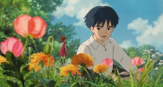 Shawn and Arrietty break the Borrowers' rules and converse among flowers.