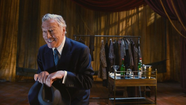 Reprising the role that won him a Tony Award, Christopher Plummer portrays actor John Barrymore, hoping for a comeback in his alcoholic twilight.