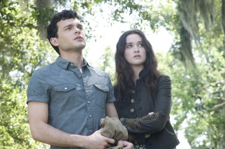 Move over Edward and Bella, there's a new teenaged human-supernatural couple in Ethan Wate (Alden Ehrenreich) and Lena Duchannes (Alice Englert).