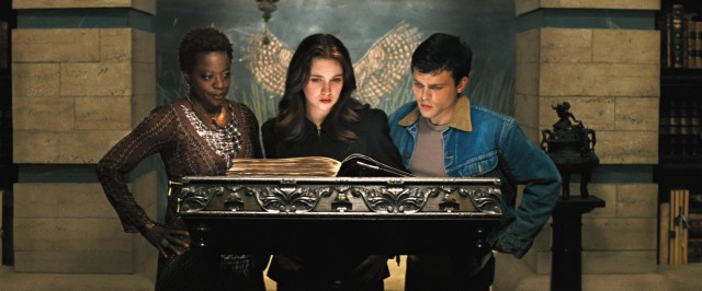 Amma (Viola Davis), Lena (Alice Englert), and Ethan (Alden Ehrenreich) do some supernatural research in the basement of the Gatlin Public Library.