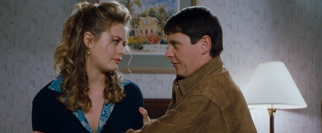 Eve (Alicia Silverstone) has a supportive shoulder to lean upon in her gay friend/roommate (Dave Foley).