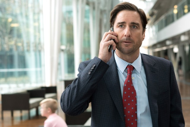 Luke Wilson plays Jason Hatfield, one of the more successful and affluent friends that Brad measures himself against.