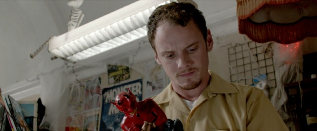 This Satan Genie, an unexpected arrival at his workplace, will have drastic consequences for Max (Anton Yelchin).