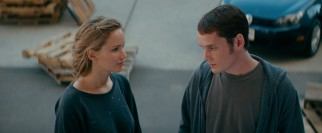 An unlikely romance develops between secretly artistic cheerleader/valedictorian Norah (Jennifer Lawrence) and Walter's scheming teenaged son Porter (Anton Yelchin).
