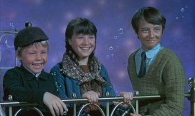 The three Rawlins children are at the center of the movie and here, they're underwater.