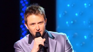 Chris Hardwick performs his brand of nerd comedy in close-ups...