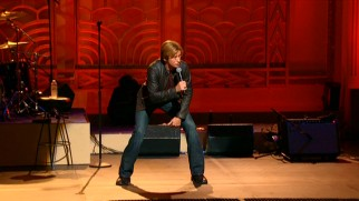 As part of his rantings on douchebaggery, Denis Leary tries to give Larry Craig the benefit of the doubt by recreating the wide stance with the Senator claims he defecates.