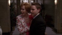 "TV legend Carol Burnett drops by Wisteria Lane in ""Don't Look At Me""."
