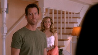 Married life has its awkward moments for Mike (James Denton) and Susan, who clash over proper parenting for Julie (Andrea Bowen).