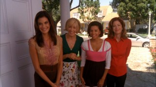The housewives stop by to congratulate Bree on the publication of her cookbook.