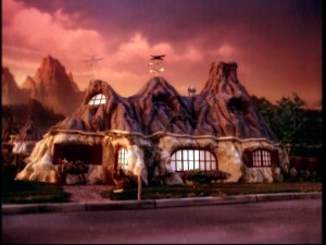 The Sinclairs' home as seen in plenty an establishing shot.