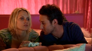 Meet hot celebrity couple Julia Mallory and Holt McLaren. She (Laura Allen) plays video games, he (Josh Stewart) always looks tired, and both do drugs and sleep around. Awesome!