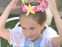 "Make a princess wreath in ""Craft Time""!"
