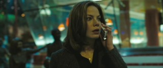 Rachel Hollomon (Michelle Monaghan) reacts similarly to how most (non-New Yorkers) would to a call threatening their child's life.