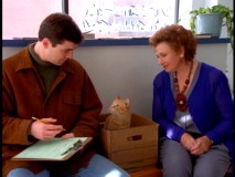 Gary and his roamer of a cat meet Mrs. C (Marion Ross), pretending here to be Eunice Fadiman.