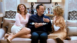 Brad (Vince Vaughn) is treated to delicious treats and embarrassing photos and stories by the women in Kate's life, including her mom (Mary Steenburgen) and aunt (Carol Kane).