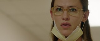 Dr. Eve Saks (Jennifer Garner) is torn between her hospital's policies and her desire to help the sick.