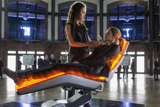 Tori (Maggie Q), the compassionate lady who forged Tris' aptitude test results, also administers her Dauntless final exam.