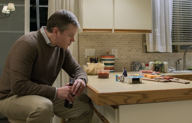 "In Alexander Payne's ""Downsizing"", occupational therapist Paul Safranek (Matt Damon) follows the lead of his friend (Jason Sudeikis) and undergoes a procedure to ""get small."""