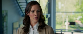 The unplanned pregnancy of girlfriend/colleague Ali (Jennifer Garner) adds another layer of drama to Sonny's busy draft day.