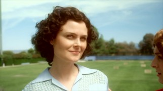 "Emily Deschanel plays lady golfer Babe Didrikson in the Drunk History ""Sports Heroes"" episode."